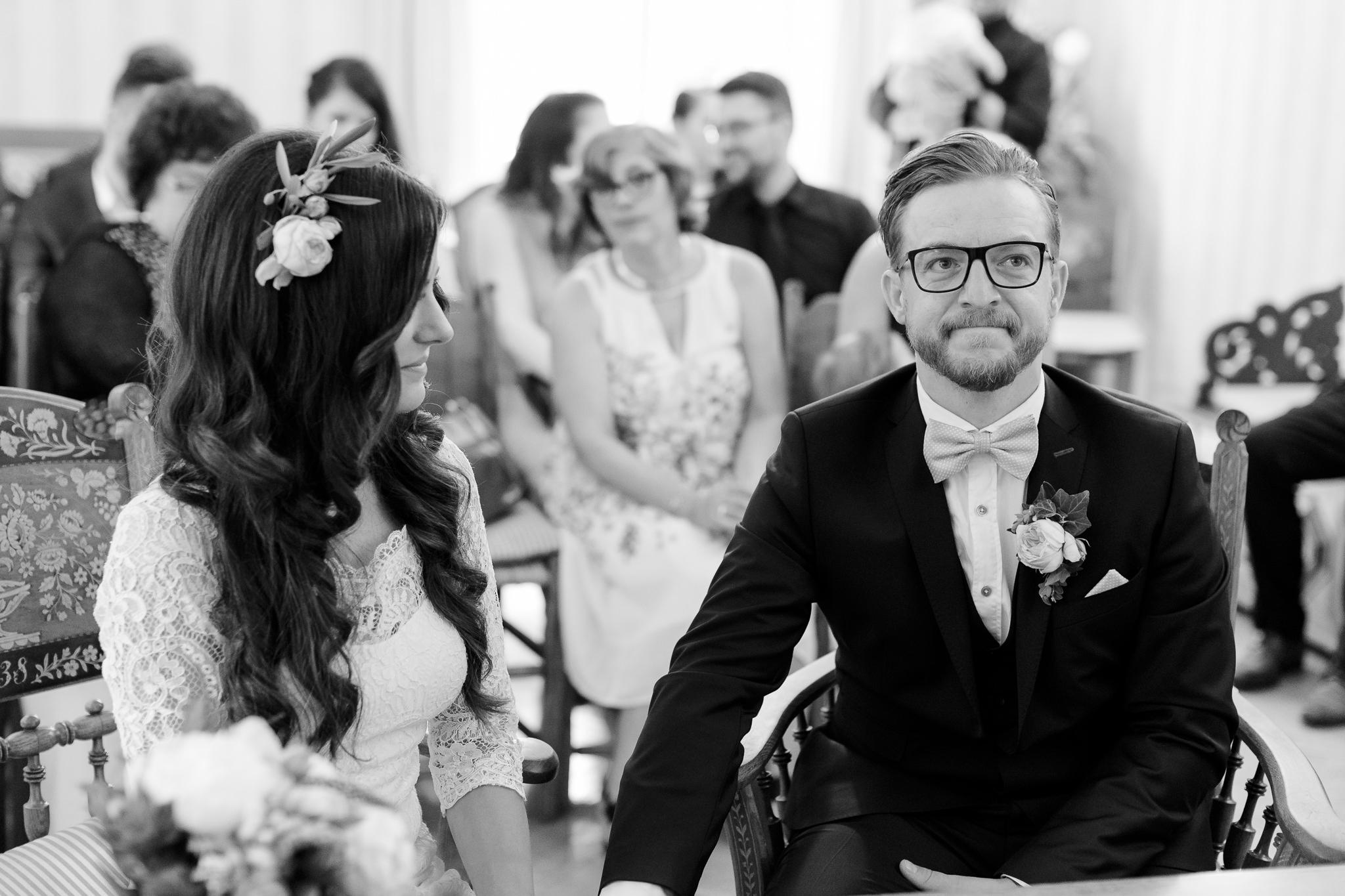 Hochzeitsfotografie Hamburg - Bräutigam ist bei Traurede ganz gerührt
