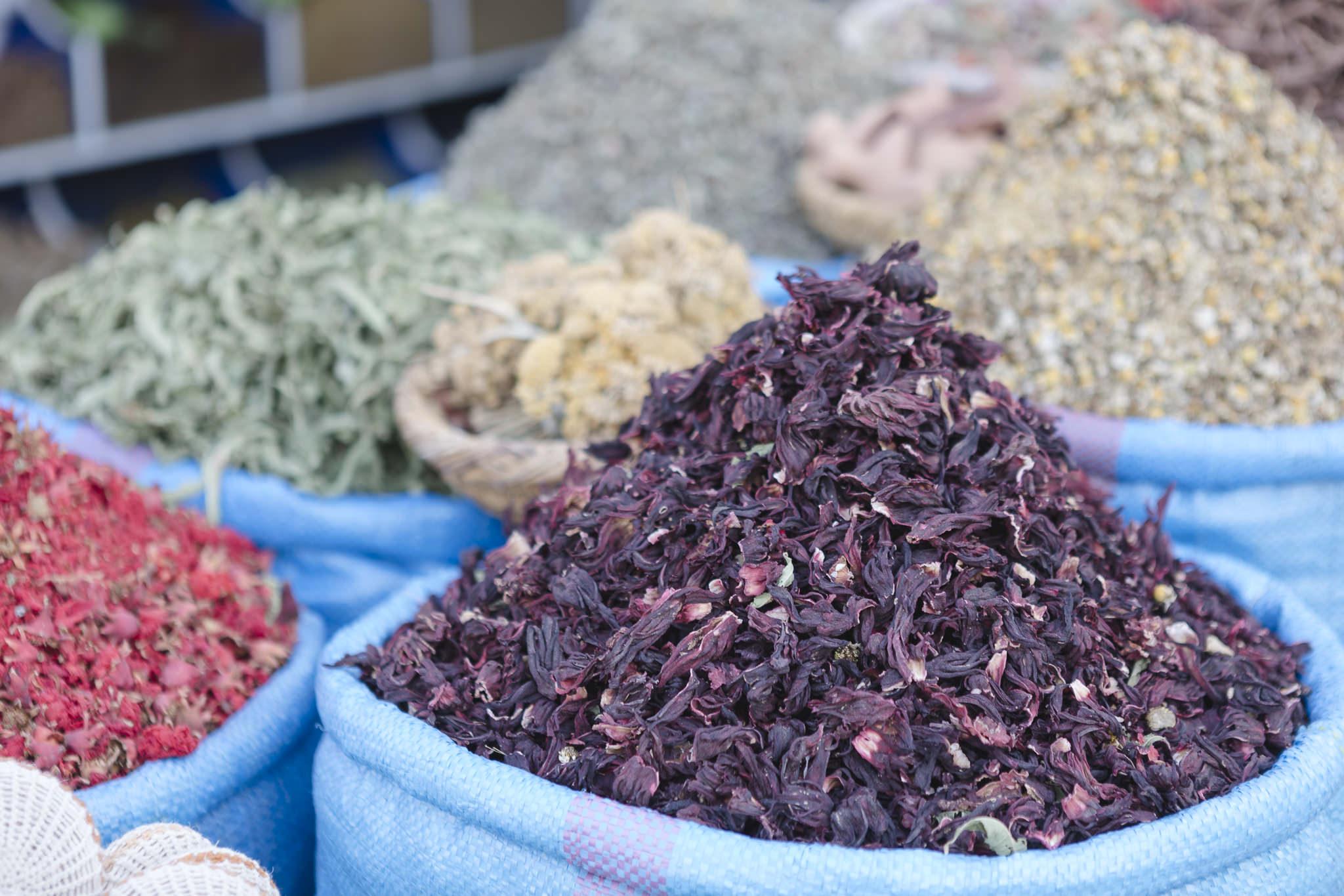 auf dem Gewürzmarkt in Marrakech