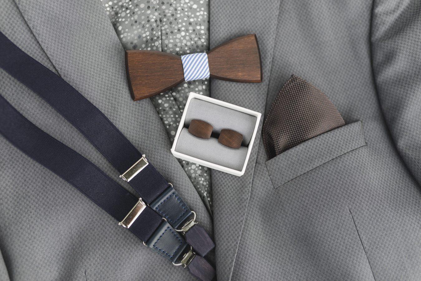 Accessoires des Bräutigams aus Holz von BeWoode