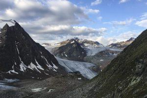 bei diesem Ausblick auf die Gletscher kann man das Wandern nur lieben
