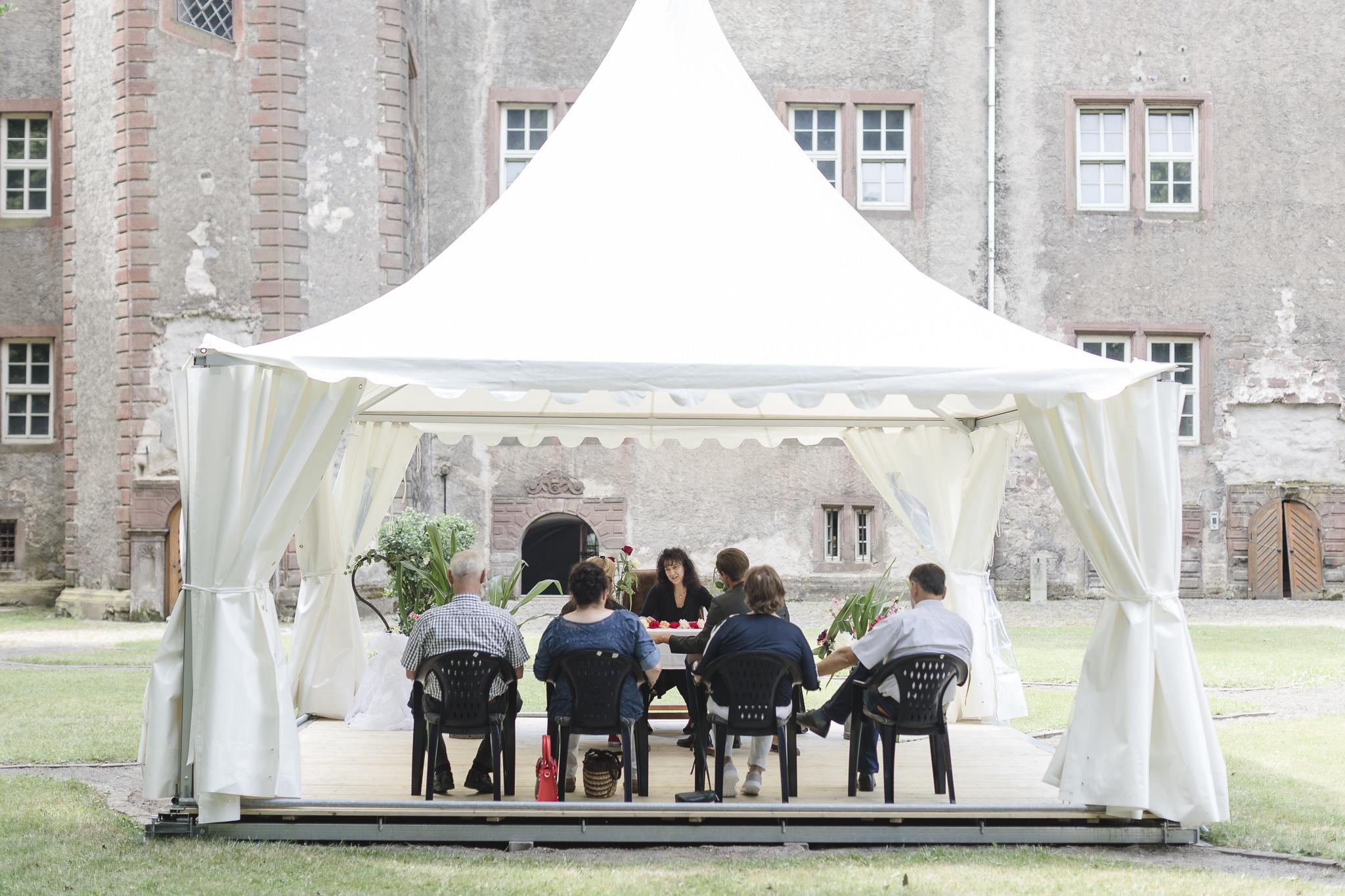 Hochzeitsfotograf Einbeck - eine intime Trauung mit wenigen Gästen