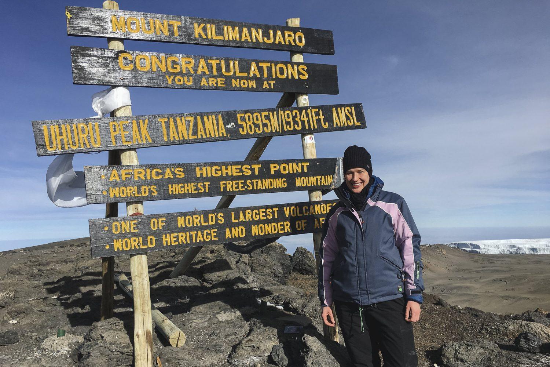 der Beweis - es ist geschafft, ich stehe auf dem höchsten Gipfel Afrikas